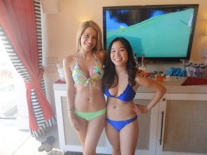 amateur photo Women love cabanas