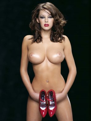 amateur photo More Keeley Hazell