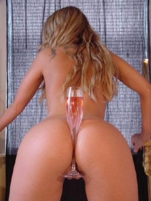 amateur photo Champagne Pussy