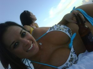 amateur photo Gorgeous beach beauty