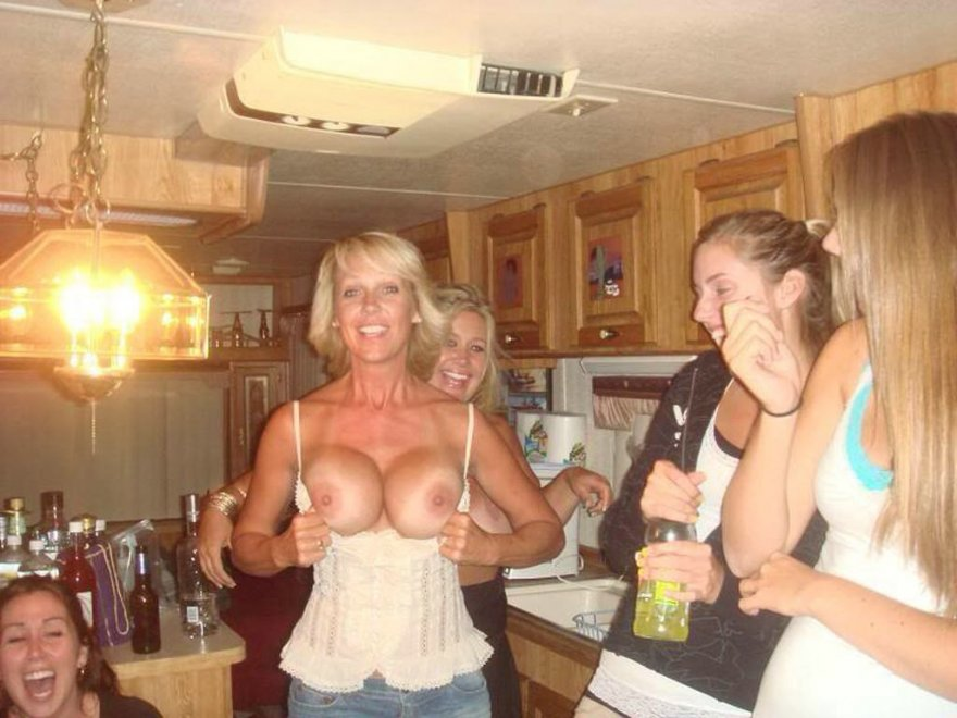 MOM....... OMG!!! Porn Photo