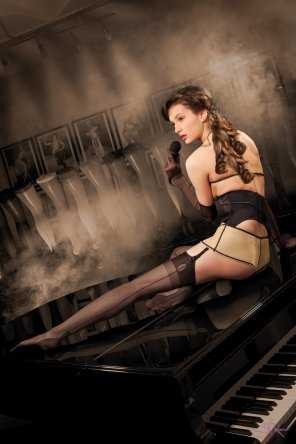 amateur photo Mayfair Stockings model in a cuban heel