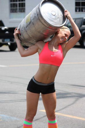 amateur photo Crossfit girls Beer !!!