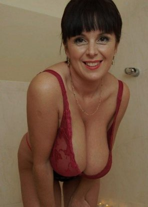 amateur photo Plunging neckline