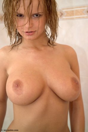 amateur photo Puffy Perky Perfection