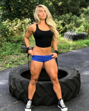 amateur photo Carriejune and those legs