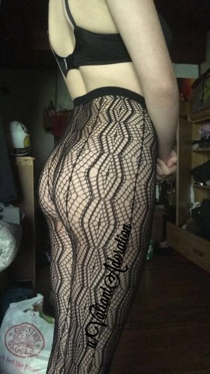 amateur photo I really like these stockings [OC]