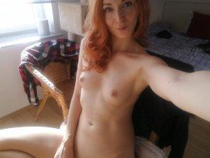 amateur photo Just a pale sunny selfie! 🌞