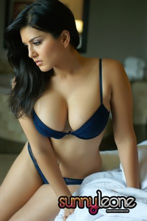 amateur photo Sunny Leone