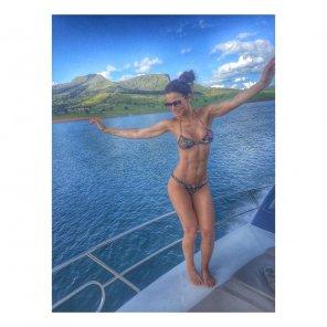 amateur photo Dancing in bikini