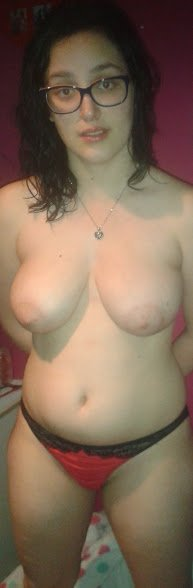 amateur photo Very busty brunette amateur