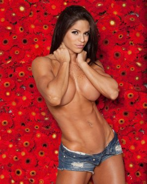 amateur photo Michelle Lewin - Daisy Dukes