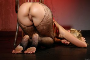 amateur photo Sylvia in fishnets