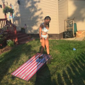 amateur photo Corn hole