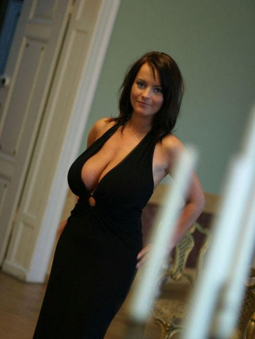 Wow, those tits are going to get some attention Porn Photo