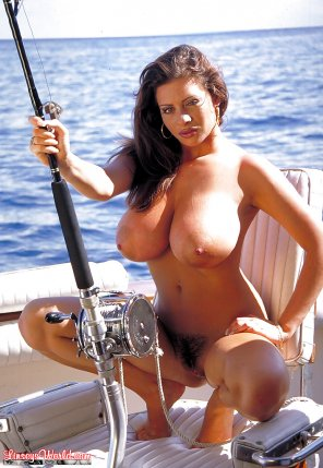 amateur photo Linsey Dawn goes fishing