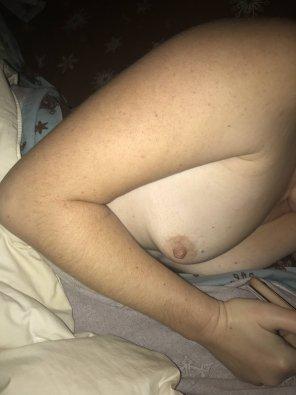 amateur photo Pale boob!