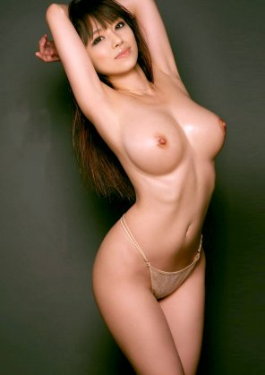 amateur photo Lightly oiled Asian