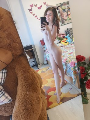 amateur photo Nude and Smile = Adorable? What do you think... [F]