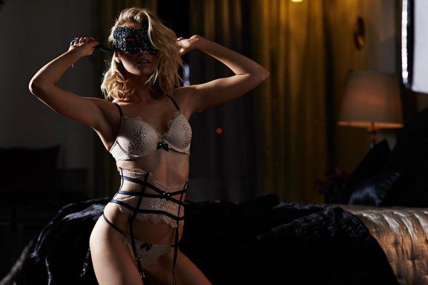 Stella Maxwell Porn Photo