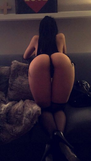 amateur photo Booty for days [snp] @pearlnecklace88