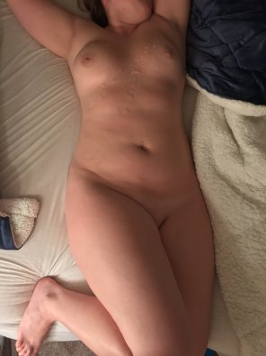 amateur photo I Need More Cum. Will You All Cum On Me? [F]