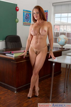 amateur photo Mature teacher with a bikini line