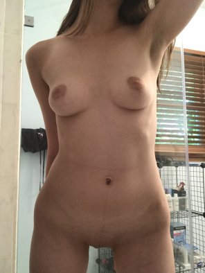 amateur photo I sometimes wish I was curvier, but hey, my body is me and it's unique. Embrace it. [f]