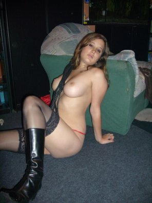 amateur photo Hooker boots