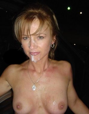 amateur photo Milf took a load in her face