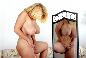 amateur photo Dawn Stone in front of the mirror