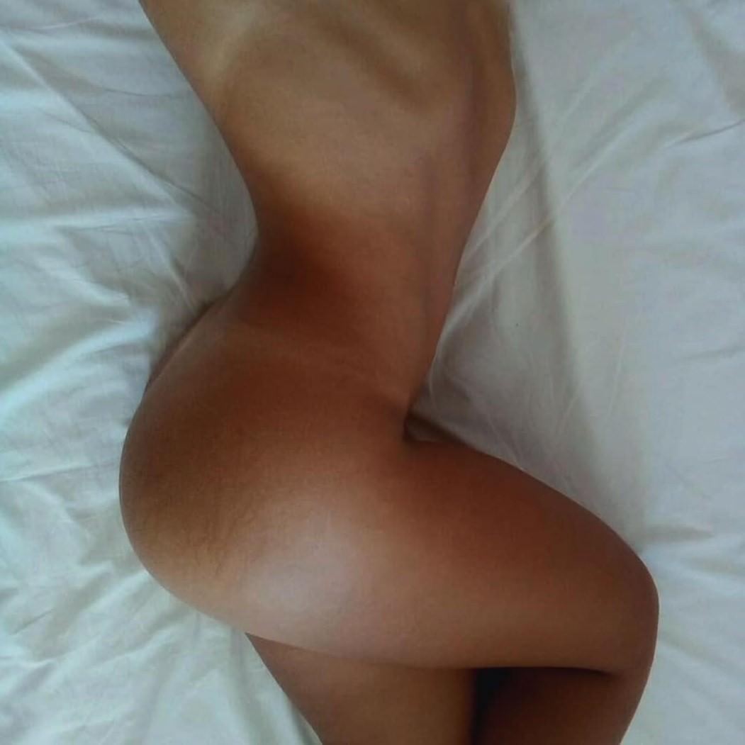 100 Pictures of Anastasia Smirnova Nude
