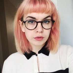 amateur photo neon Hair