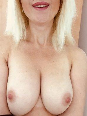 amateur photo IMAGE[Image] I want u to squeeze them <3