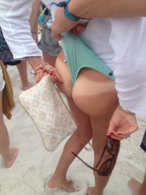 amateur photo Tanline wedgie