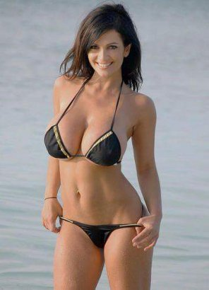 amateur photo Hot brunette in black bikini