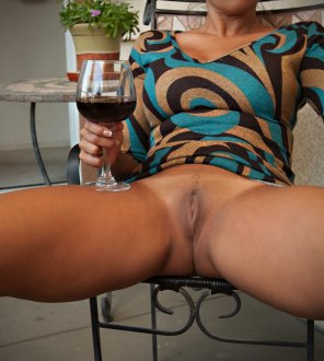 amateur photo Pussy and wine