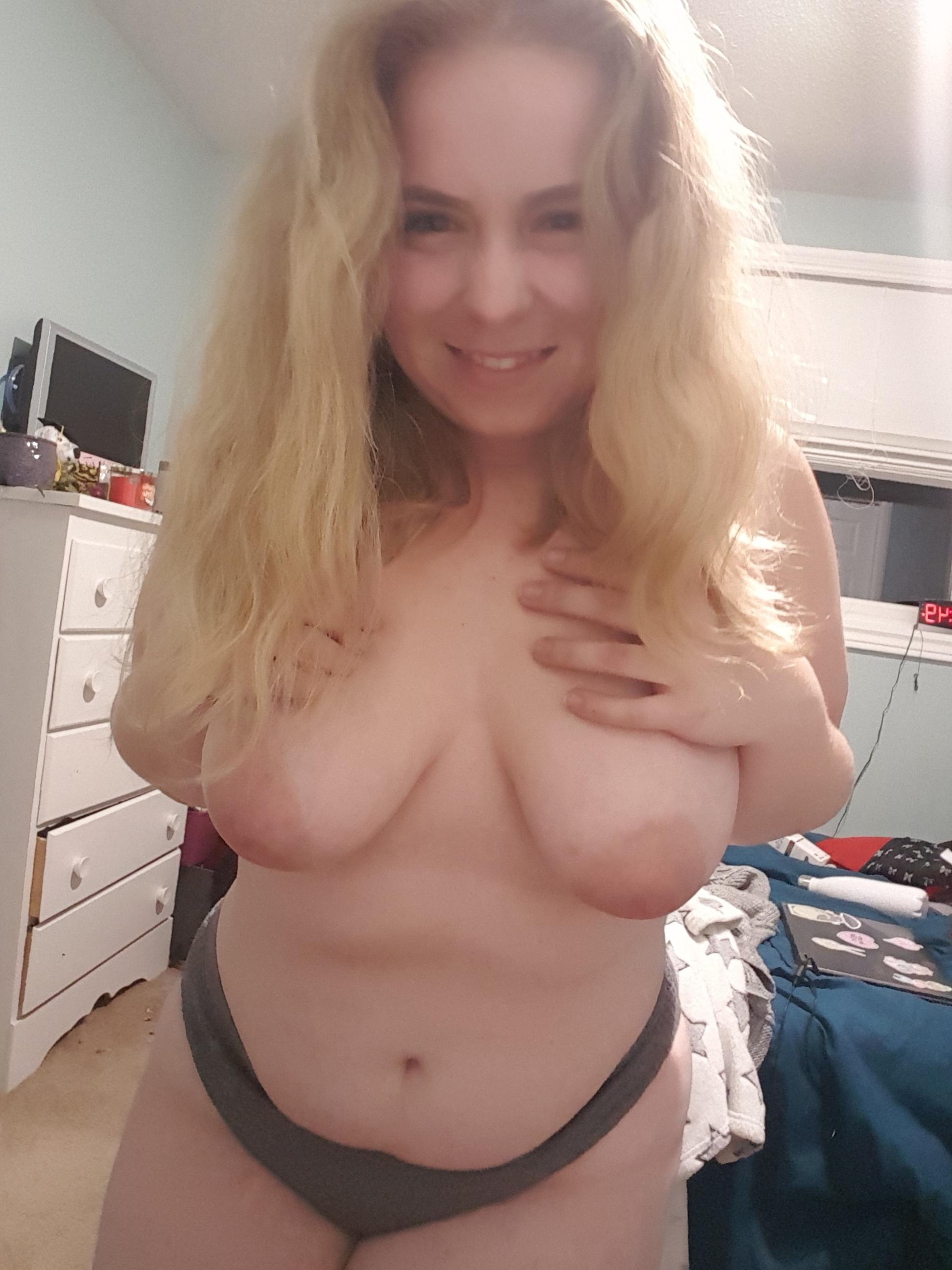 Blonde wife selfie
