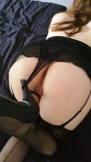 amateur photo How do you like my heels ?
