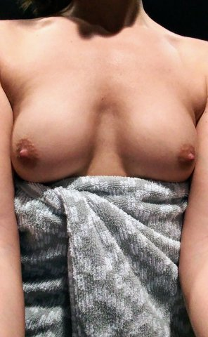 amateur photo Tits [f]or Tuesday