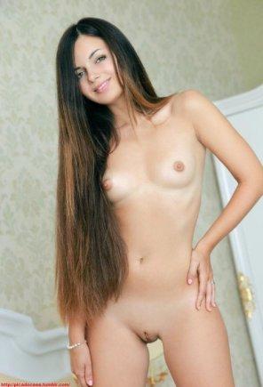 amateur photo Brunette With Super Long Hair