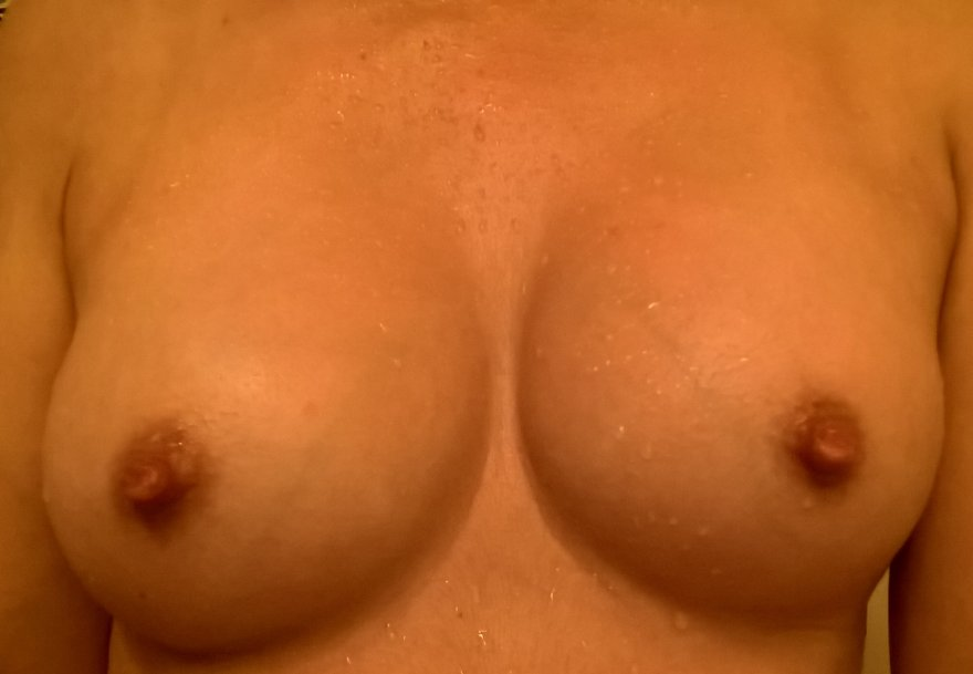 If my nipples are cold and wet, do you still think they look pretty? Or do you prefer dry, puffy, pink nipples? Porn Photo