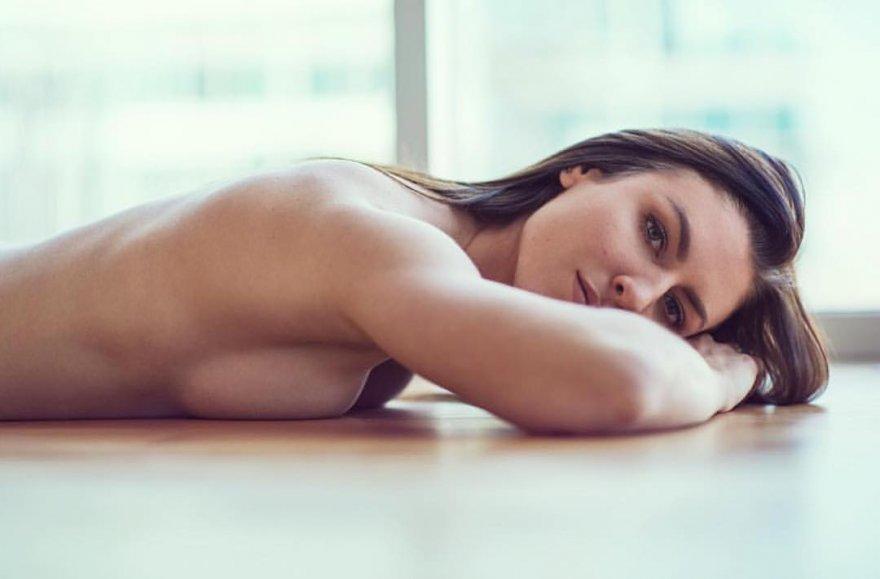 Laying down Porno Zdjęcie