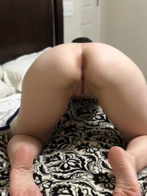 amateur photo 31 years old. Wants to know if she is still fuckable?
