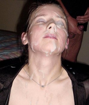 amateur photo huge facial