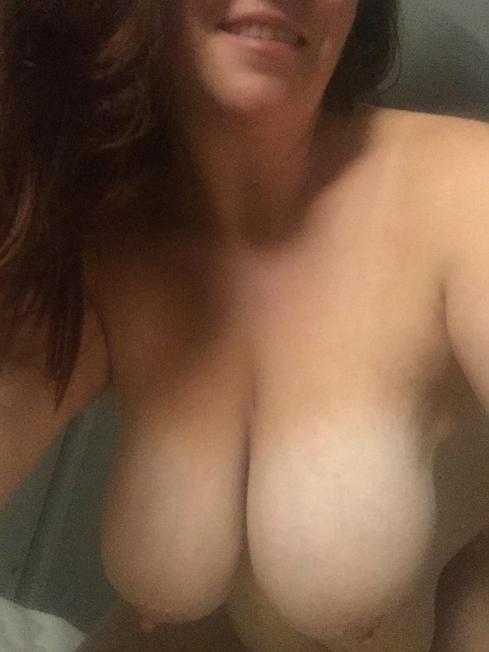 Titt Hanging