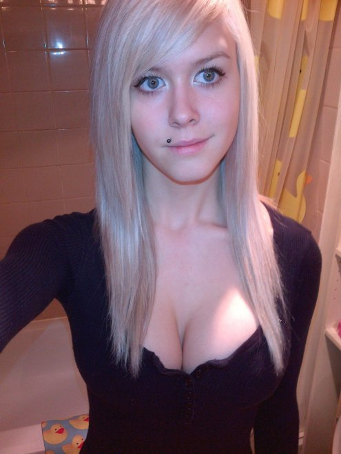 Pale Cleavage Porn Photo