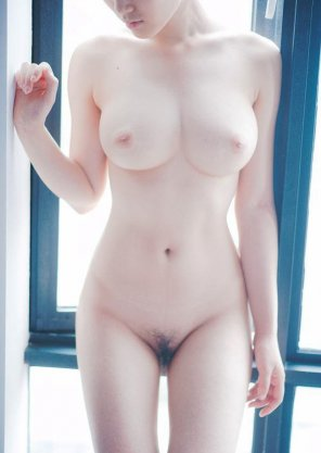 amateur photo Pale skin