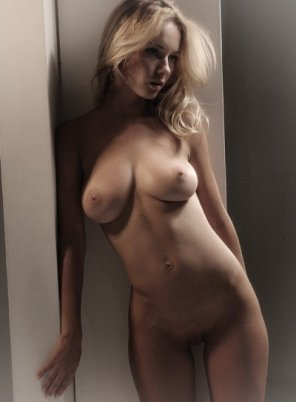 amateur photo Perfect blonde busty beauty