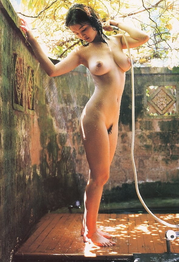 Molly sims dimond bikini